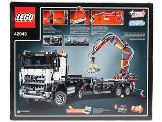 Конструктор LEGO Technic Mercedes-Benz Arocs 3245 42043